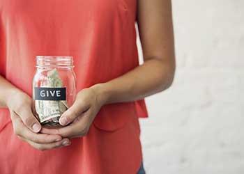 Donar dinero