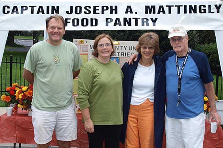 Asistencia Alimentaria/Despensa de Alimentos de Joseph A. Mattingly, Jr.